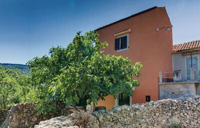 Maison 6 personnes à Zbicina