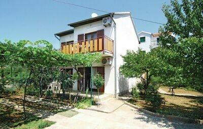 Maison 12 personnes à Srima