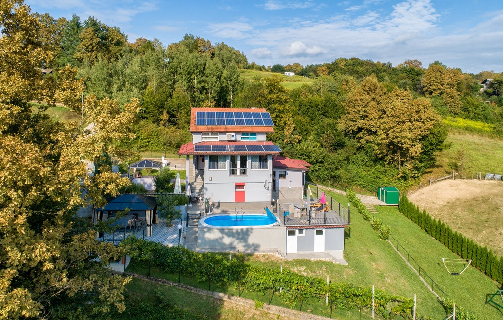 Location Maison à Zadoborje - Photo 0 / 57