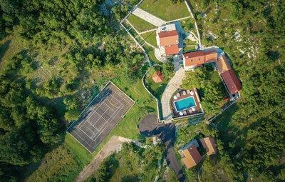 Maison 9 personnes à Trilj