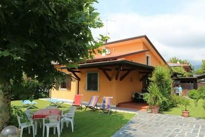 Bungalow près de la plage, terrasse couverte, côte toscane