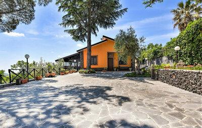 Etna Family, Maison 6 personnes à Belpasso